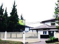 Rumah Pinus Guesthouse Bandung (07/Mar/2014)