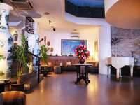 Losari Beach Hotel Makassar Lobby