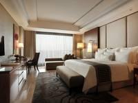 Hotel Tentrem Yogyakarta Kamar Deluxe Regular Plan