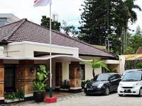 Magnolia Bed & Breakfast Bandung (27/Jan/2014)