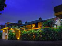 Grha Ciumbuleuit Guest House  Front View