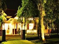 Diniya Suasso Hotel Padang Facade