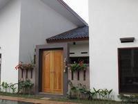 Omah Angkul Angkul Villa Bandung Front View