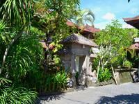 Flamboyan Hotel Bali Kuta Legian