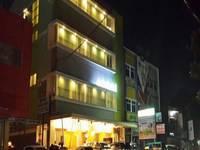 Nite & Day Panakkukang - Avira Hotel Panakkukang