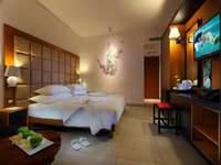 Fontana Hotel Bali Deluxe Room with Breakfast Hot Deal 28% dengan sarapan No Refund