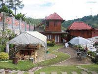 Villa Bantal Guling Lembang