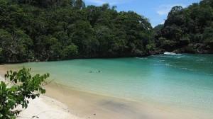 Pantai_di_Malang_1