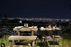 300px-Bandung_night_view,_Dago