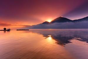 sunrise danau batur