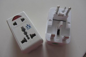 universal-travel-adapter