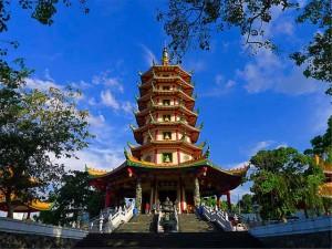Pagoda Avalokitesvara Watugong Semarang