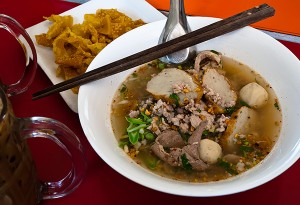 Foto 1 Makanan Kaki Lima di Bangkok