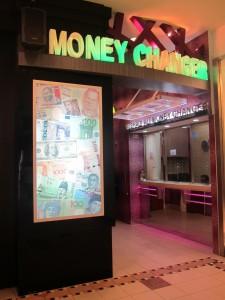 Foto 2 Tips Mengatur Keuangan di Luarnegeri