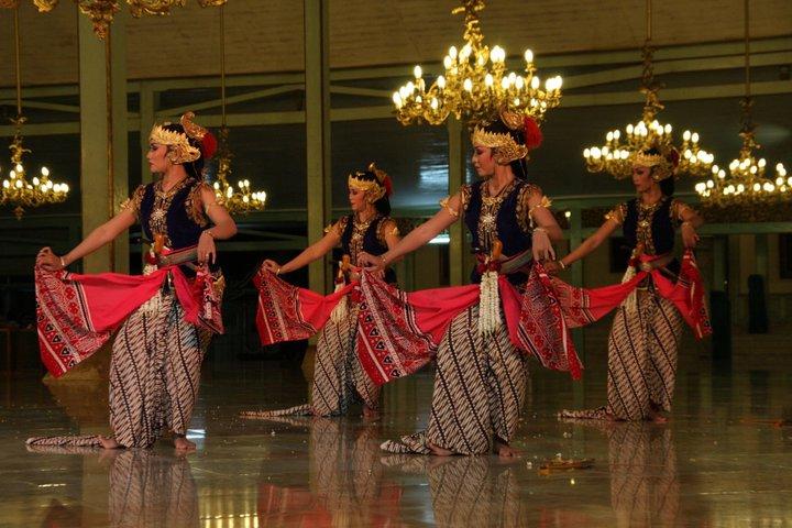 Mengenal Tarian Daerah Indonesia