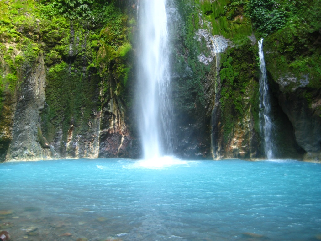 air terjun songgolangit