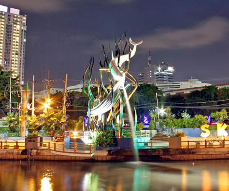 Surabaya di Malam Hari/seputarkotasurabaya.blogspot.com