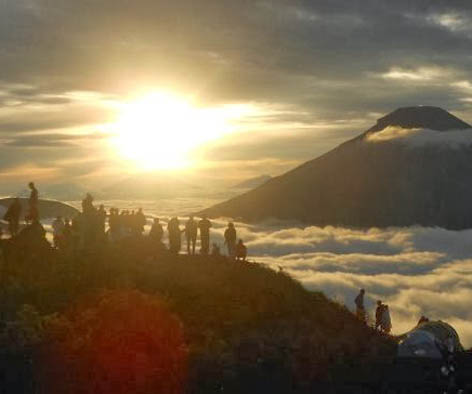 sunrise dieng