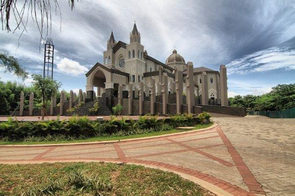 Gereja - gereja dengan Arsitektur Tercantik Di Indonesia