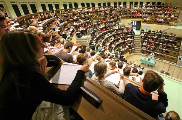 Leipzig - Vorlesung im Anatomie-Hörsaal an der Uni