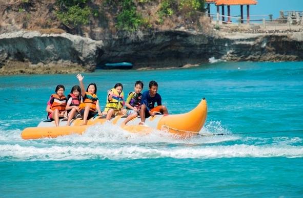 Banana boat Pantai Anyer
