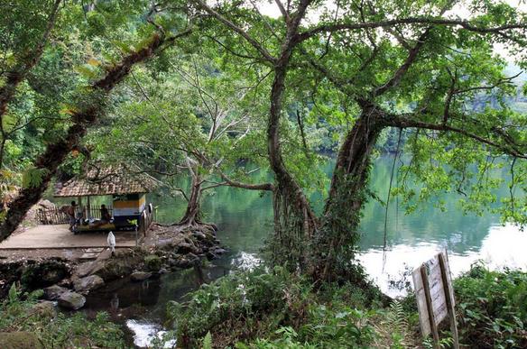 Danau Kastoba Pulau Bawean