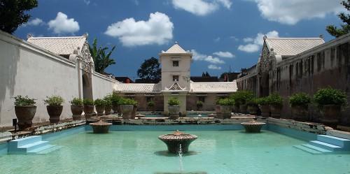 taman-sari-water-castle