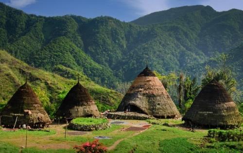 Desa-Adat-Wae-Rebo