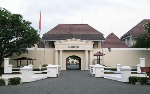benteng-vredeburg