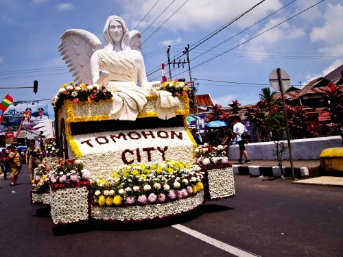 festival-bunga-tomohon