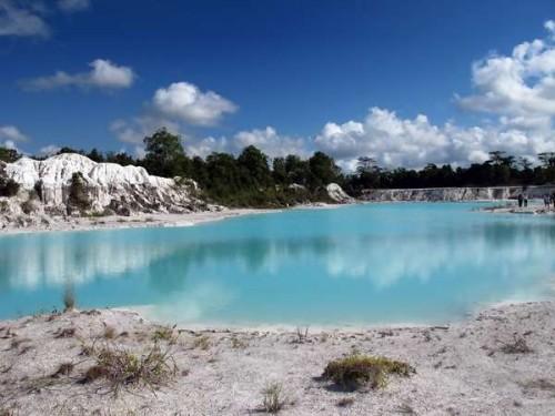Danau-Kaolin-Belitung