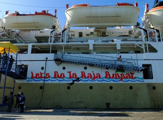 Kapal Pelni Raja Ampat