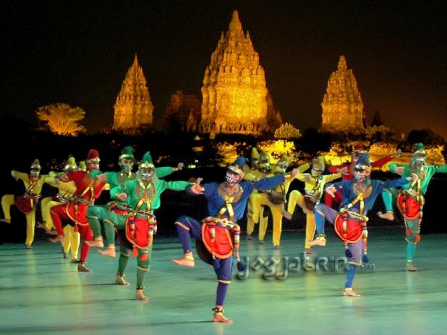 Sendratari_Ramayana_di_Candi_Prambanan_copy