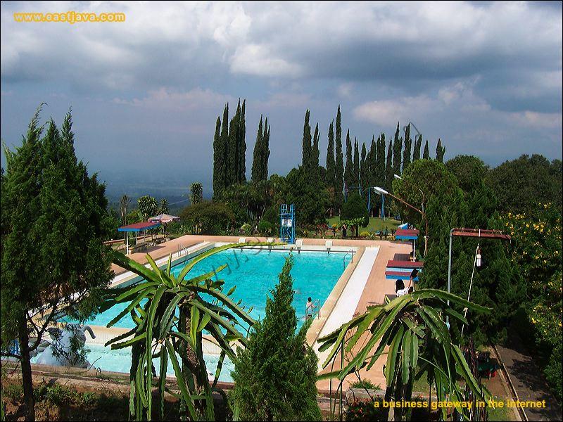 kolam renang rembangan