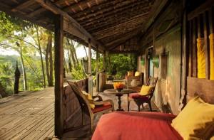 Bambu-Indah-Jawa-Lama-House-terrace-Djuna-Ivereigh-1024x674