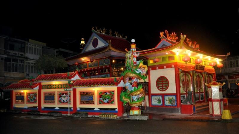 Singkawang temple 101221 10563 e1454228006397