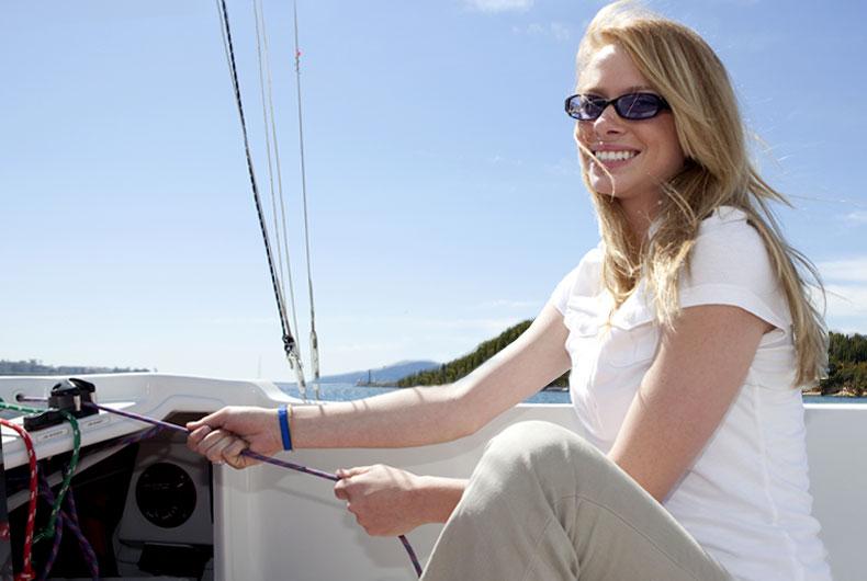 woman-sailing_slider