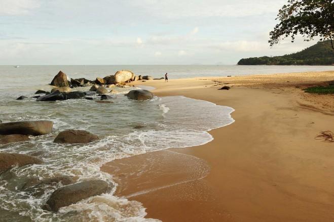 Pantai-Pasir-Panjang-Singkawang-659x439