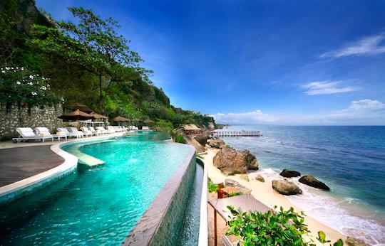 7 Hotel Dengan Infinity Pool Keren Di Bali