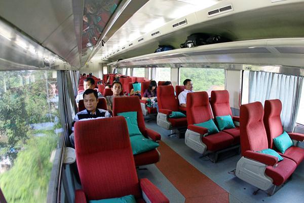 kereta api bisnis