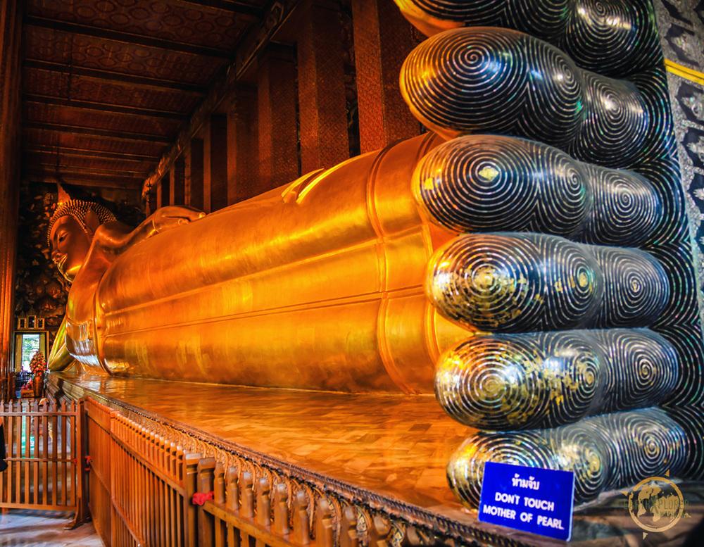 Patung buddha tidur wat pho