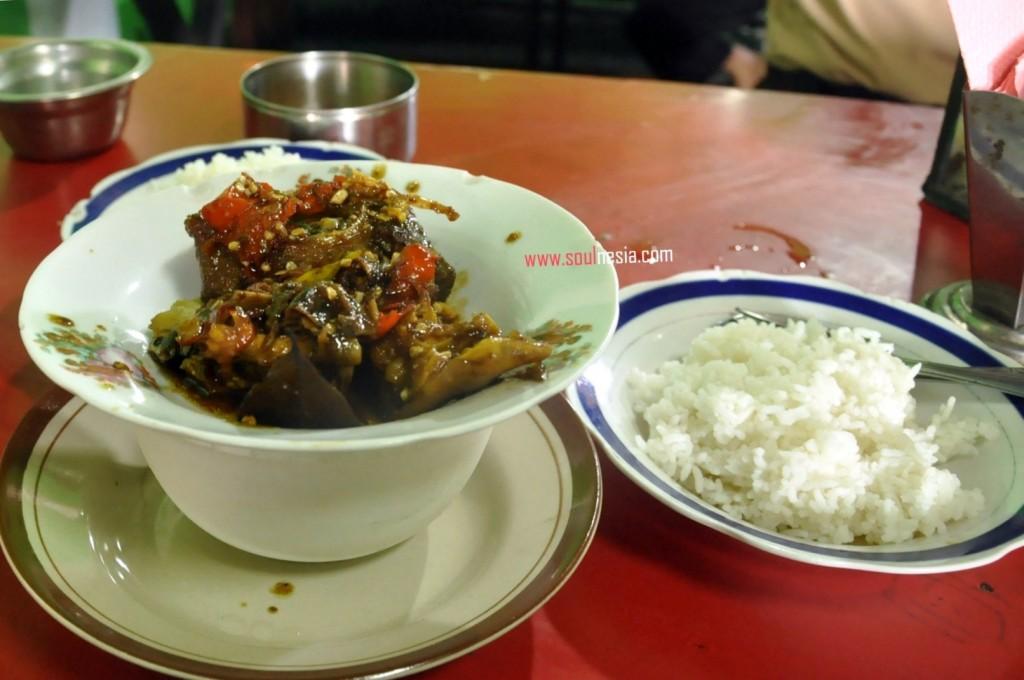 krengseng-kambing-makamhaji-masakan-khas-solo-surakarta