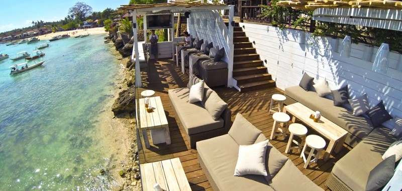 thedecklembongan.com
