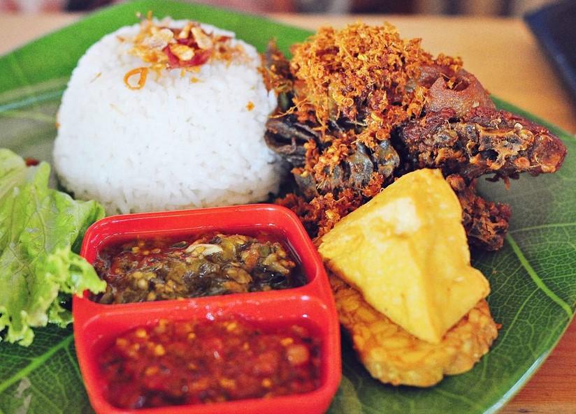 Bebek-Goreng-Pak-Thori-Semarang