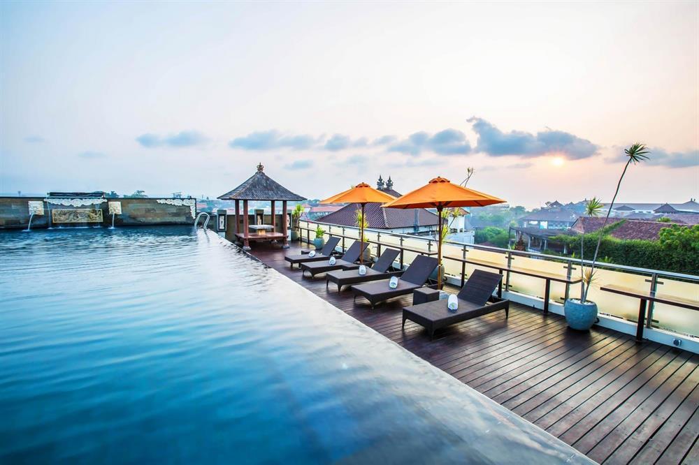 10 Hotel Murah Di Pusat Keramaian Kuta Bali Bawah Rp 700 Ribu