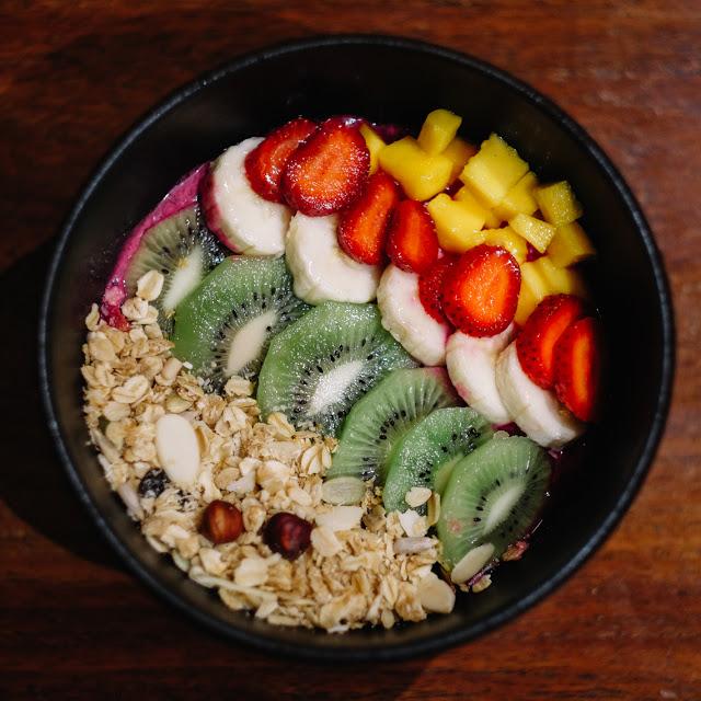 7-Resto-di-Jakarta-yang-Menyajikan-Smoothie-Bowl-Menyegarkan