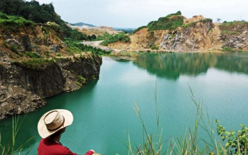 danau-quarry