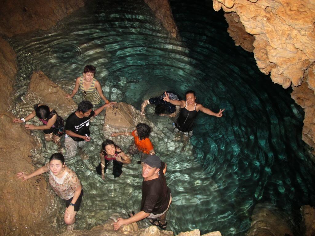 Wisata Gua di Pulau Buton