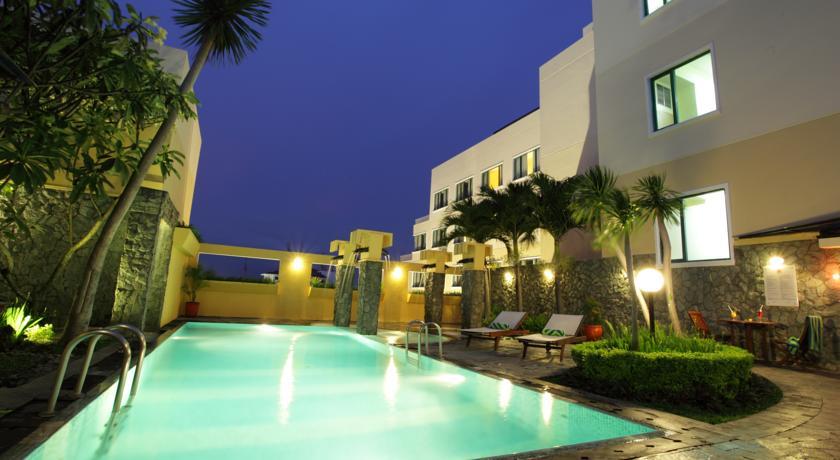 10 Hotel dengan Kolam Renang, dekat Stasiun Tugu ...