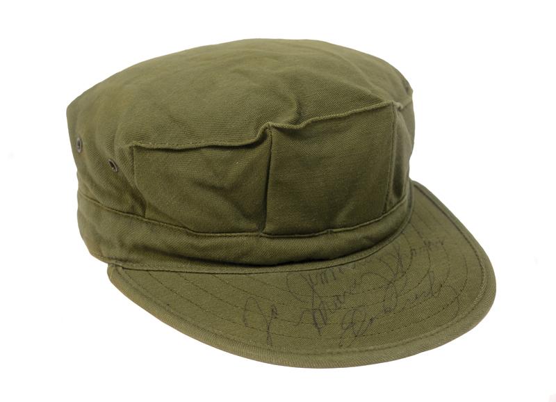 topi-hijau